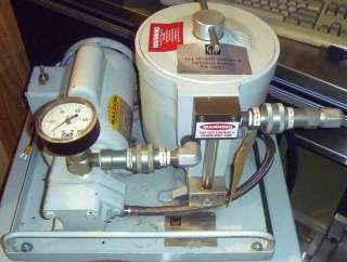 Leybold Trivac D90AC Rotary Vane Vacuum Pump w/ OF 1000 Oil Filtering