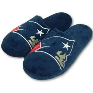 NEW ENGLAND PATRIOTS OFFICIAL LOGO PLUSH SLIPPERS SZ L