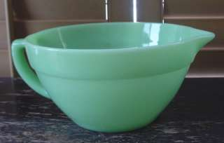 NICE Old Vintage FIRE KING Jadelite Jadite Batter Mixing BOWL Handle