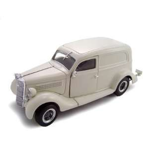 1935 Ford Sedan Delivery Cream 1/24 Diecast Car Model