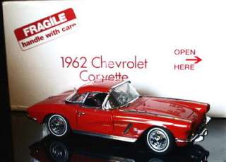DANBURY MINT 1962 Chevrolet Corvette Diecast 124 Scale   Red