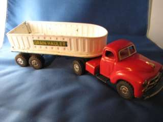 VINTAGE GRAIN HAULER TOY TRUCK TRACTOR TRAILER FRICTION MOTOR DRIVE